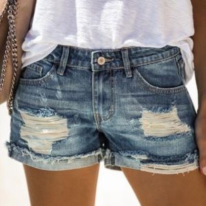 NWT KanCan Relaxed Cuffed Distressed Jean Shorts